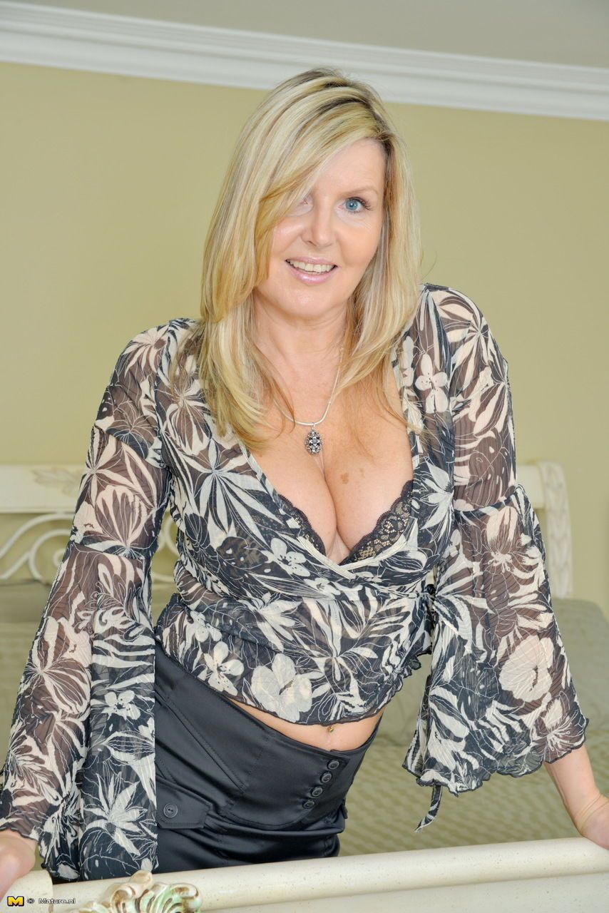 British housewife casts aside her skirt and lingerie to