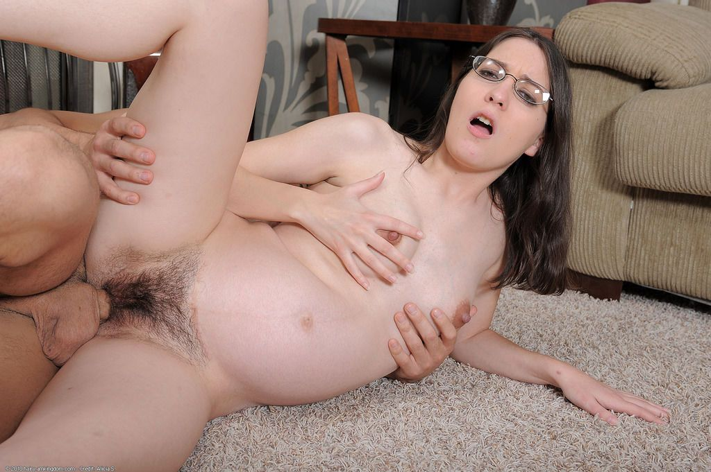 Amateur with glasses Larisa Fox gets massive dick to smash ...