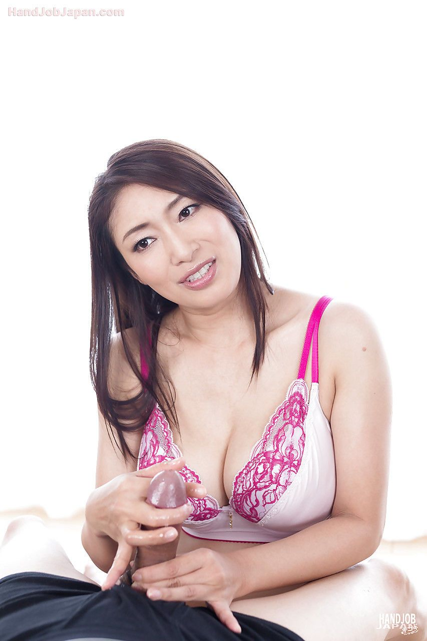 Sexy Japanese Girl Giving Sloppy Handjob And Licking Up Dripping