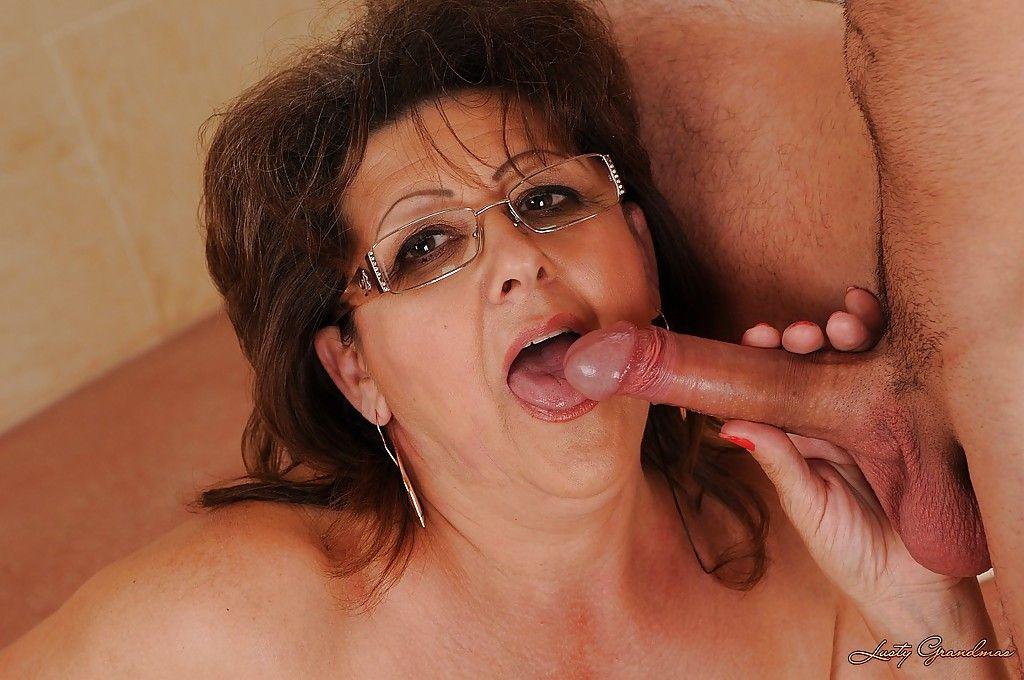 она просто порно фото очкастые зрелые бабы оттягивайтесь большим