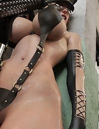 ZZ2tommy  Madelyn  Hot Cop